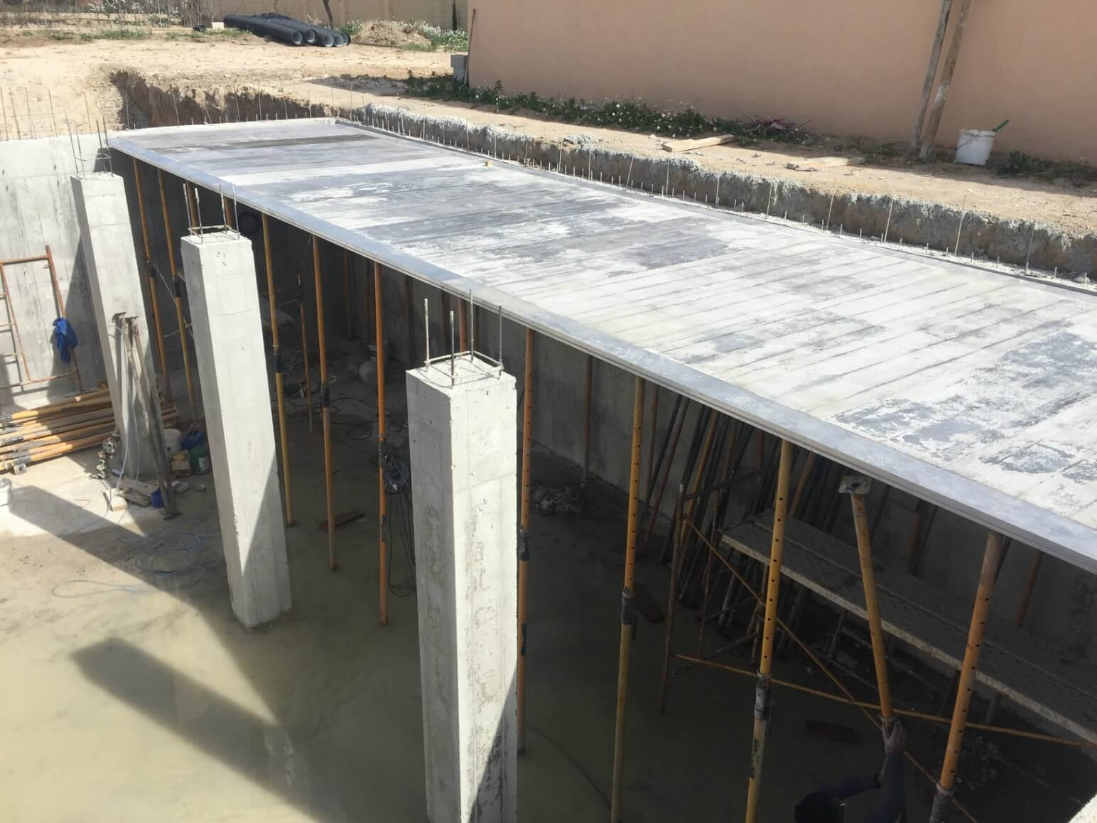 proyecto balsa para riego encofrados de aluminio construccion strong forms alicante 17