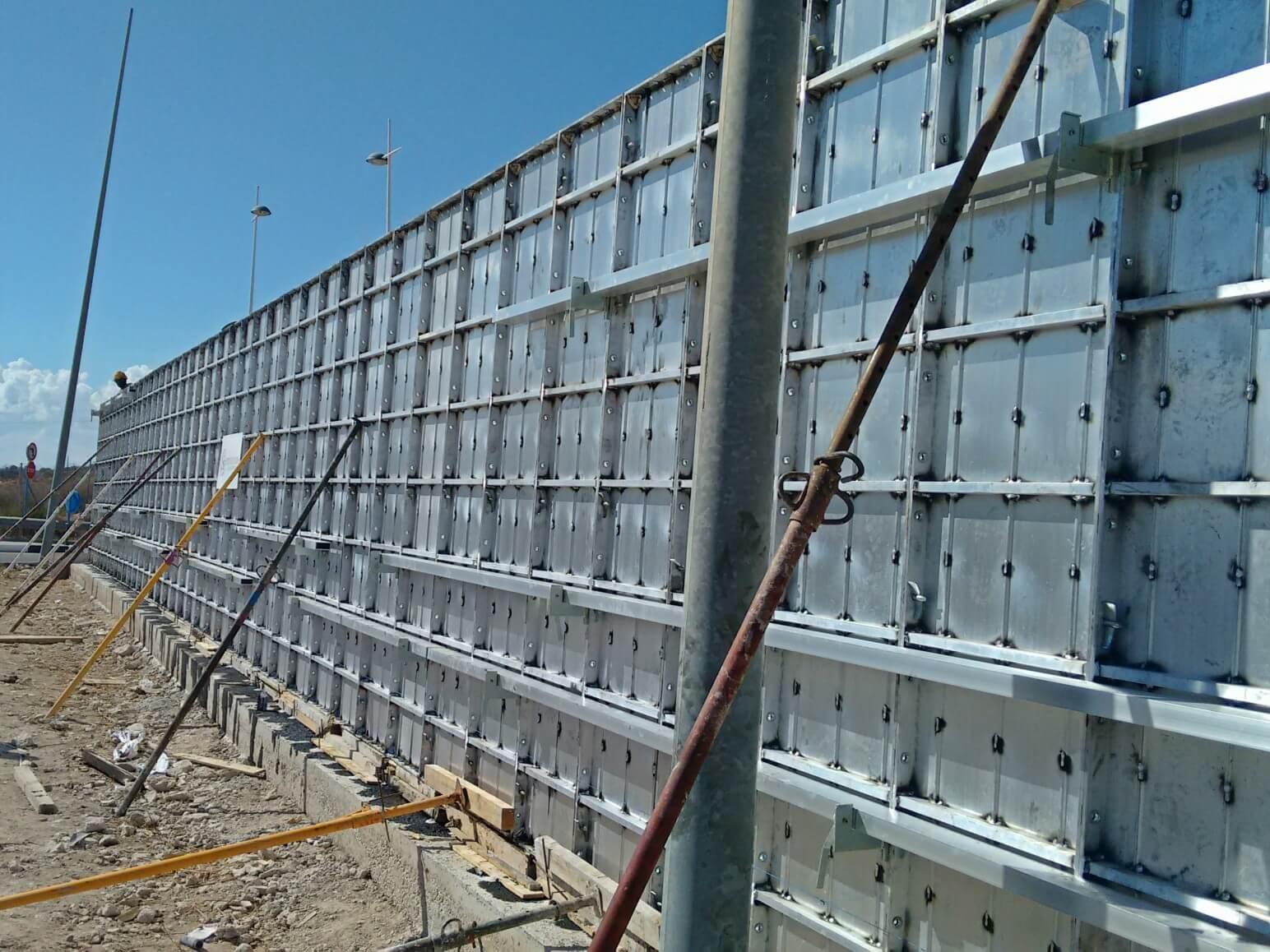 proyecto muro perimetral encofrados de aluminio construccion strong forms alicante 10