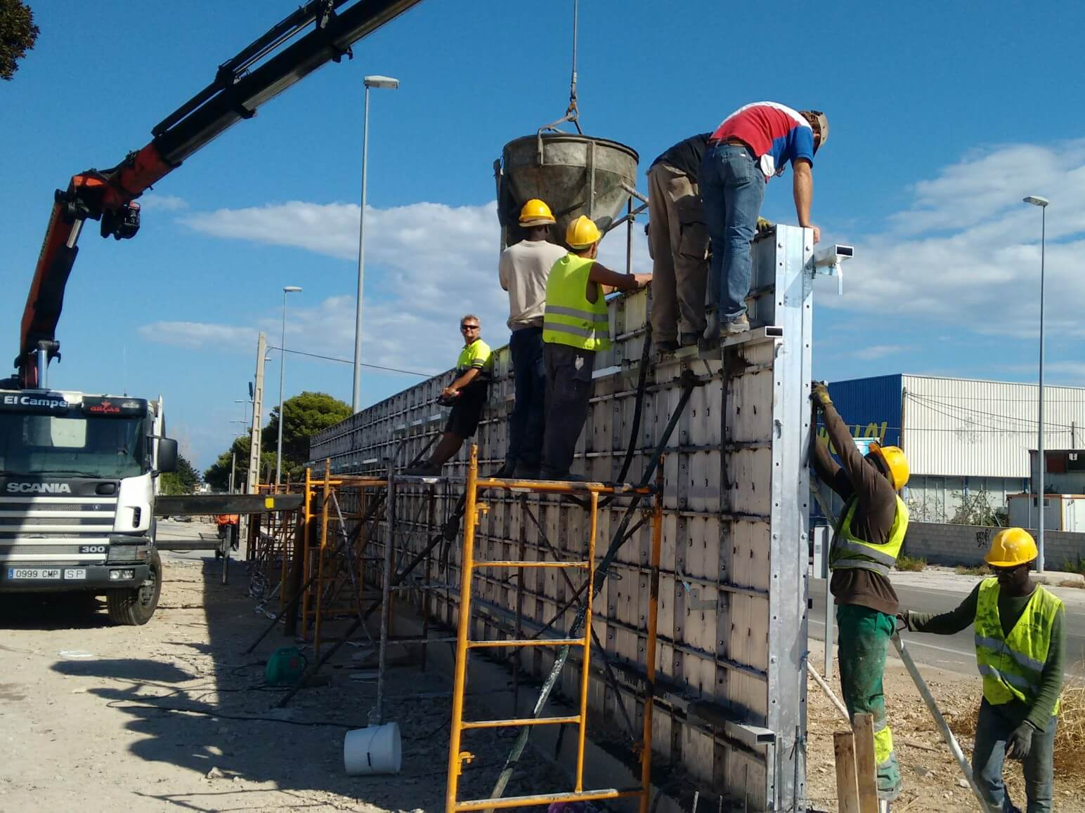 proyecto muro perimetral encofrados de aluminio construccion strong forms alicante 14