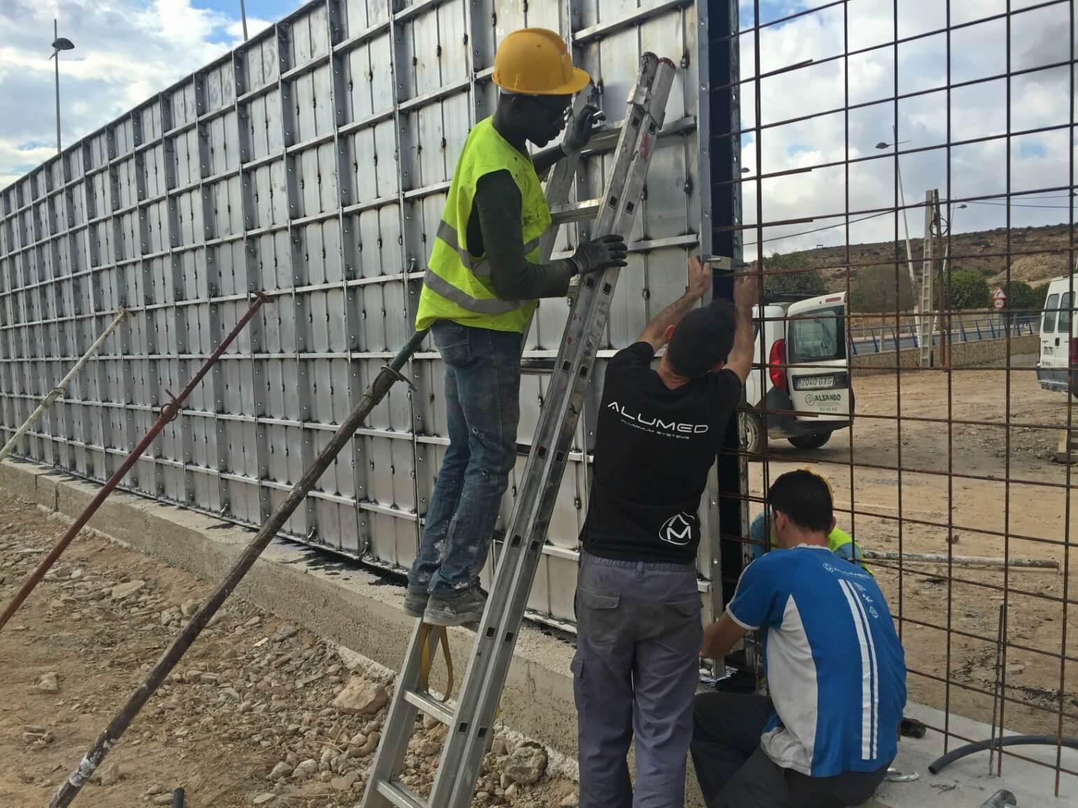 proyecto muro perimetral encofrados de aluminio construccion strong forms alicante 4