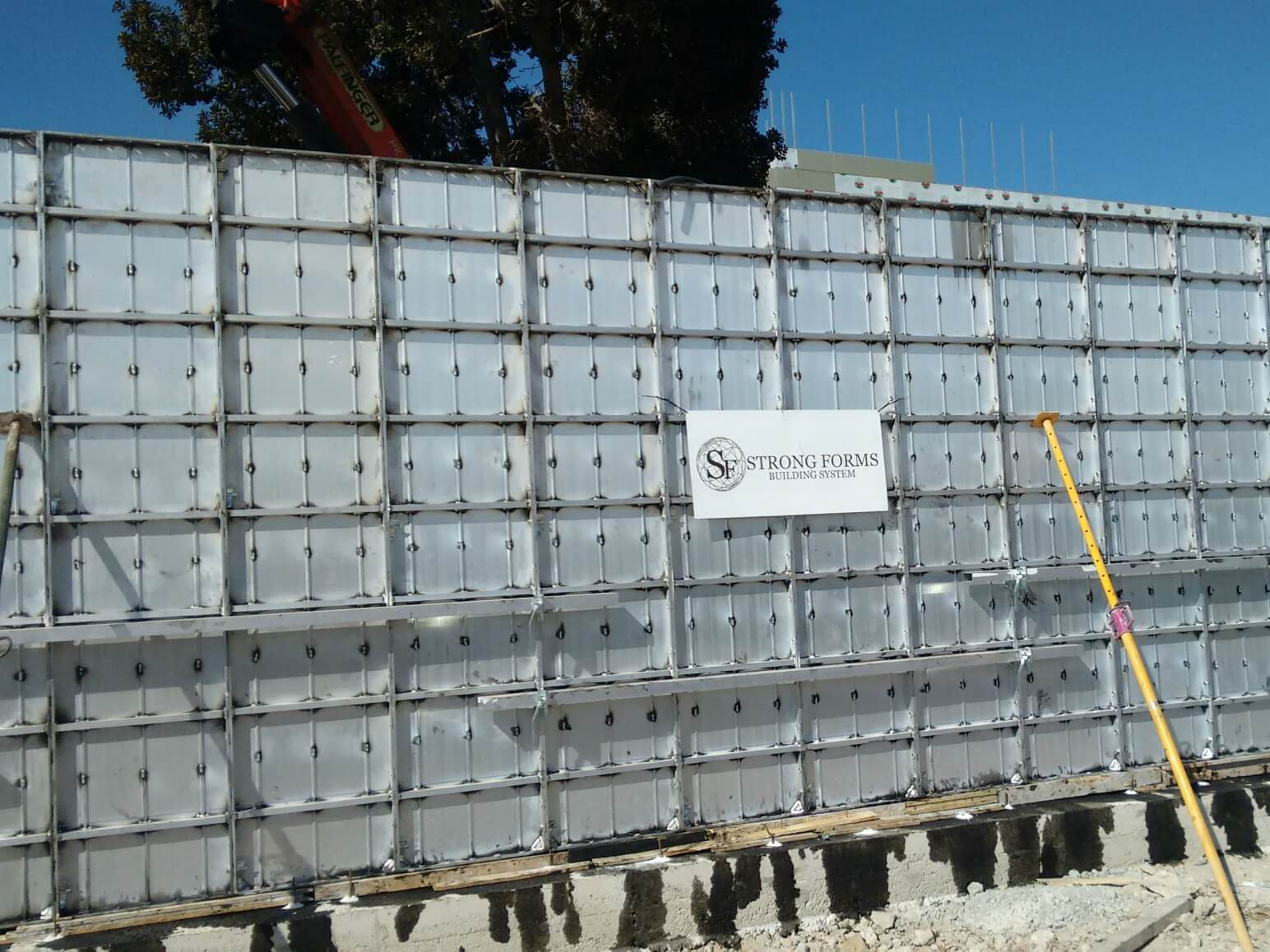 proyecto muro perimetral encofrados de aluminio construccion strong forms alicante 9